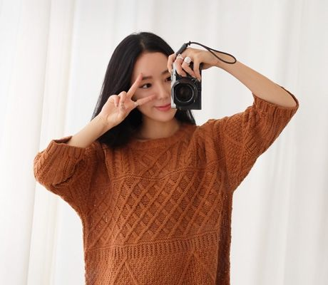 Loveliness of the female clothing shop. [Whitefox] Fall yen Knit OPS / Size : FREE / Price : 27.98 USD #korea #fashion #style #fashionshop #apperal #koreashop #ootd #whitefox #top #knit #longknit #knitdress #loosefit #dailyitem