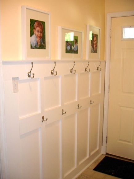 mud room: Coats Hooks, Idea, Back Doors, Entry Ways, Kids Pictures, Mud Rooms, Laundry Rooms, Projects Highlights, Diy Projects