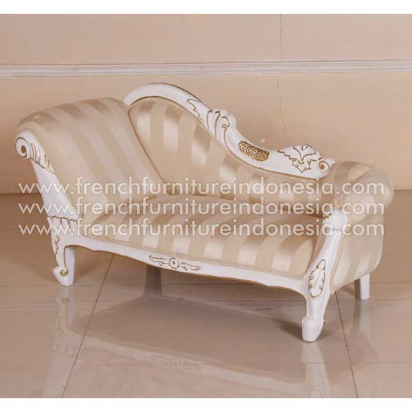 Buy Mini Sofa from Classic Furniture. We are reproduction Furniture manufacture with French style good quality and classic furniture style. #JeparaFurniture #IndonesiaFurniture #AntiqueFurniture #HomeFurniture #SupplierFurniture