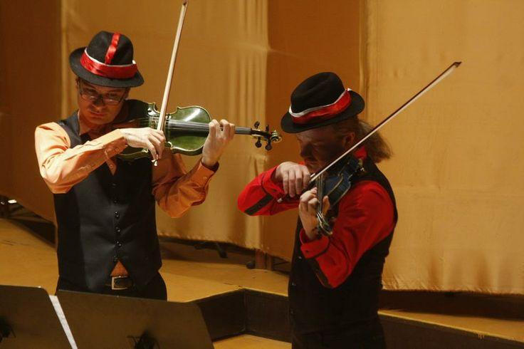 Ziua in albastru-verde a Cehiei, cu viori: recital extraordinar Tomescu – Sporcl