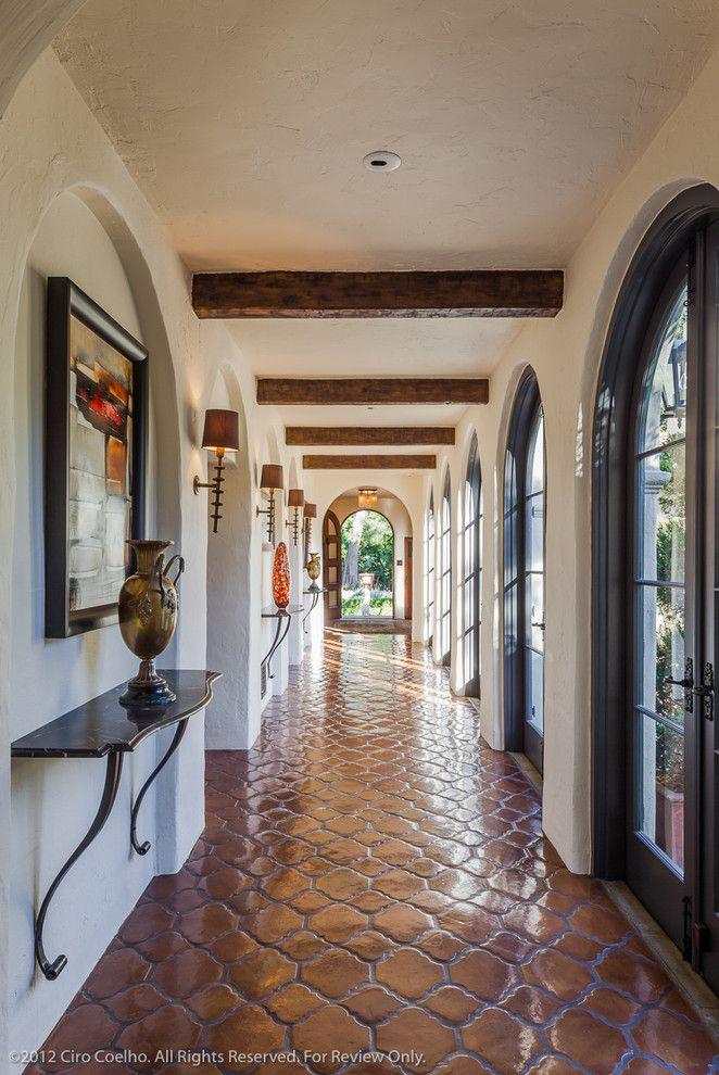 La Vereda - mediterranean - hall - santa barbara - Lori Smyth Design