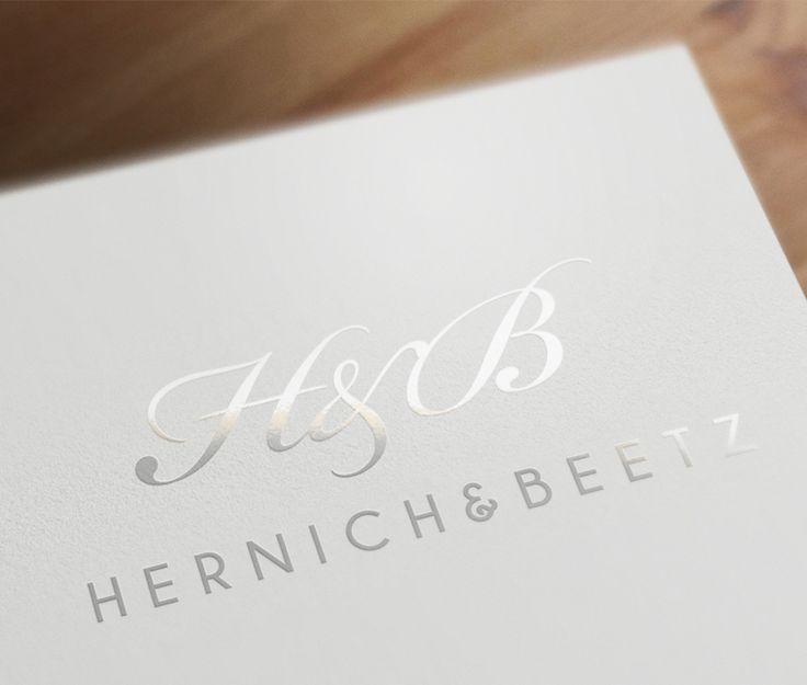 Logotipo realizado para Hernich & Beetz Ver proyecto: http://vinti7.com/logotipos-barcelona-hernich-beetz/