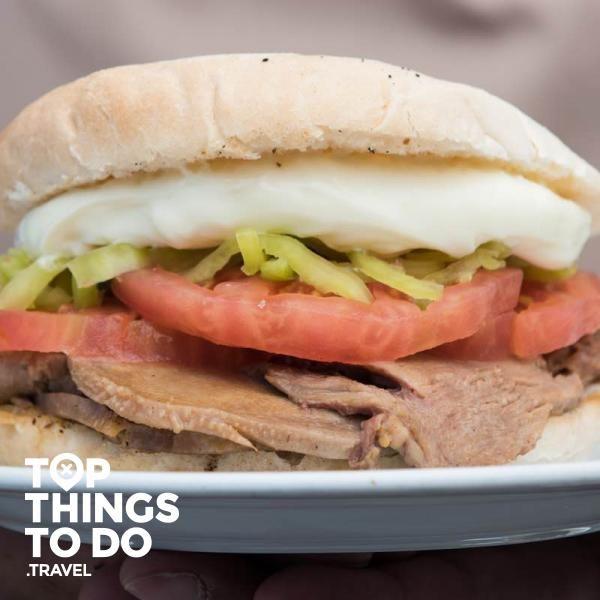 Comer como local: mejores sandwiches de Santiago - Comer y Beber - Los sanwiches son parte de la idiosincrasia del chileno. Por eso te presentamos los mejores lugares para comer en Santiago.