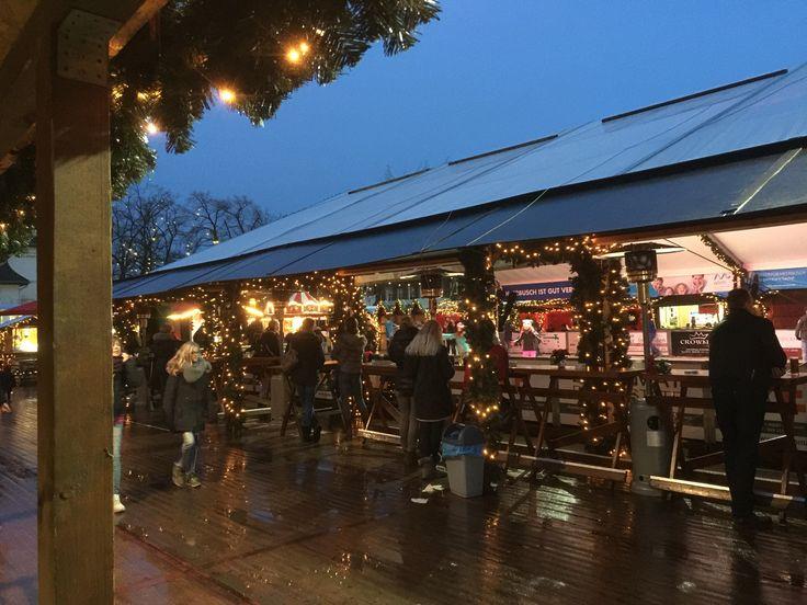 #Wbmwinterwelt #meerbusch #weihnachtsmarkt #eislaufen #gluehwein #gulaschalt