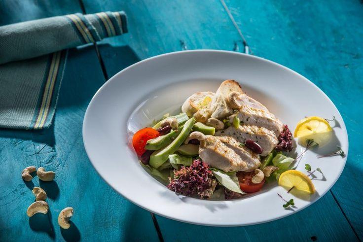 Salate delicioase pentru toate gusturile. Comanda online.