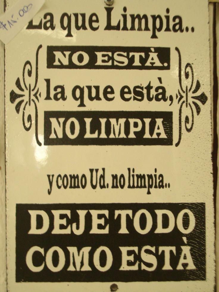 :) Letrero enlozado La que limpia.....favorito de las mujeres. | Más en https://lomejordelaweb.es/