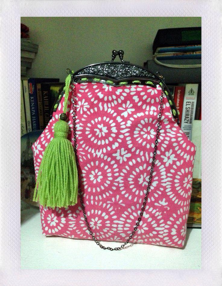 Pinky Batik Garut Frame bag with green tassel