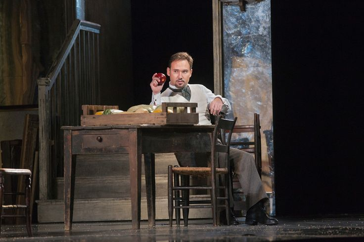 Onegin, Mariusz Kwiecien, Photo by Ken Howard. Read review at: http://www.whattravelwriterssay.com/performingarts.html