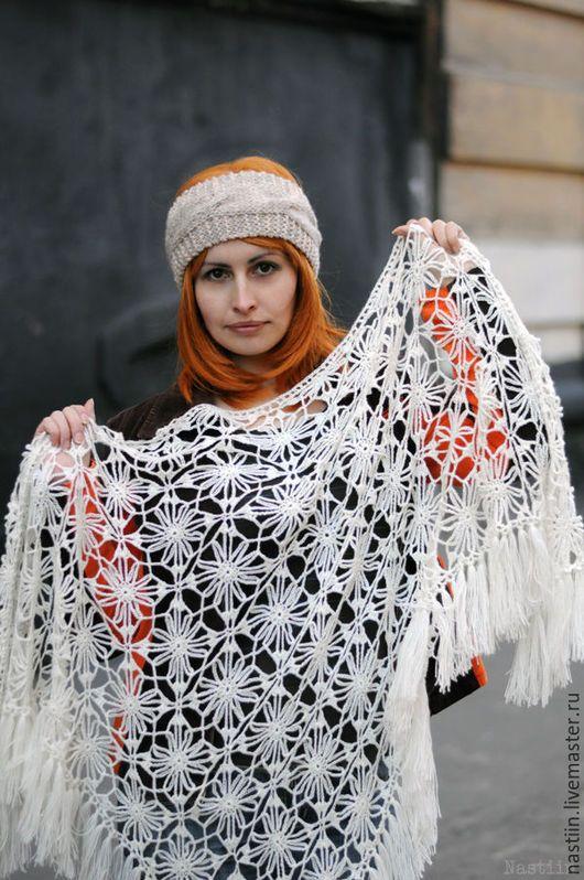 Шали, палантины ручной работы. Ярмарка Мастеров - ручная работа. Купить Нежная вязаная крючком шаль ажурная свадебная шаль. Handmade.