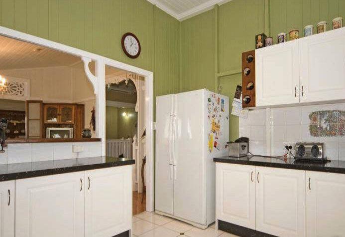 38 best images about queenslander homes on pinterest for Kitchen ideas for queenslanders