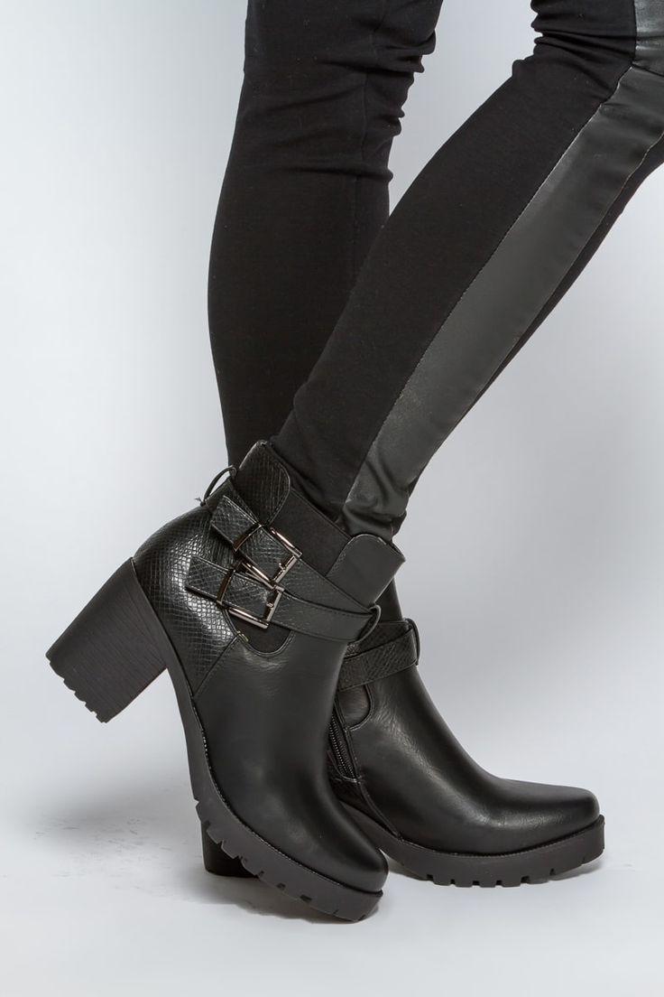 1000 id es sur le th me talons pais sur pinterest chaussures pour femme talons et sandales. Black Bedroom Furniture Sets. Home Design Ideas