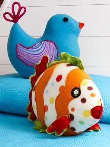 Free Pattern for Miss Birdy and Miss Fishy - Выкройка подушек в виде рыбки и птички / Мастер-класс