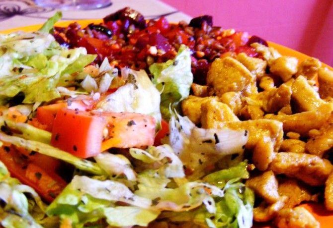 Magos-céklás zöldségek csirkemellel