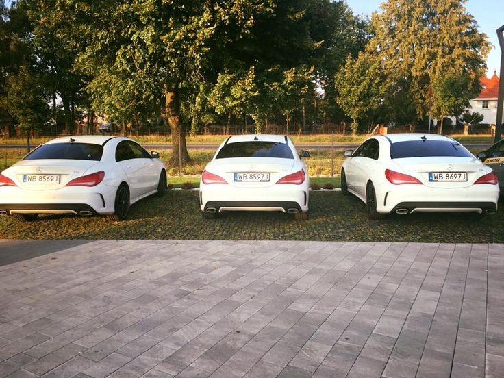zielony parking z geoSYSTEM przed hotelem Inbetween hotel http://www.inbetween-hotel.pl/  grass parking in Inbetween Hotel