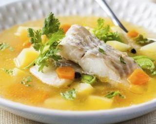 Soupe light au poisson, carottes, poireaux et pommes de terre