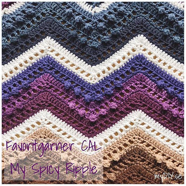 Popcorn mania! 💞  #Reposting @mydiy.se - More popcorn in part 5 of #myspicyripplecal - do you Love popcorn as much as I do? 🙊💜 • #favoritgarnercal #cal2017 #CAL #CALblanket #CALafghan #crochet #crocheter #crocheting #crochetblog #crochetblanket #diy #craft #crafts #crafty #crafting #virka #virkat #virkad #virkadfilt #mydiyse #favoritgarner #square #crochetsquare #grannysquare #zigzag #chevron #ripple