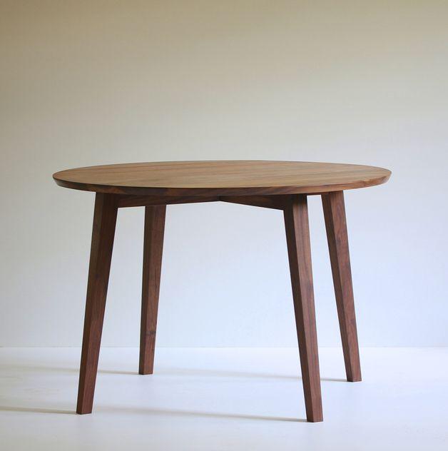 Esstische - Runde Nuss - Esstisch Nussbaum - ein Designerstück von BPistorius bei DaWanda