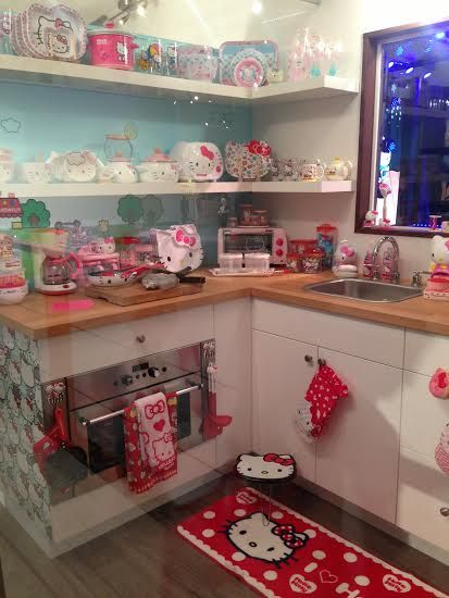 hello-kitty-con-house-kitchen