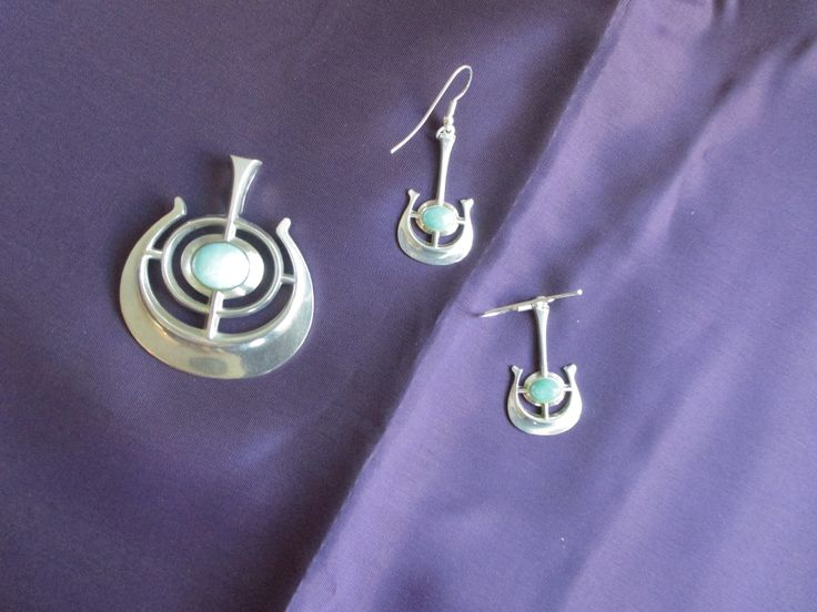 Pendant and earrings with amasonite stone