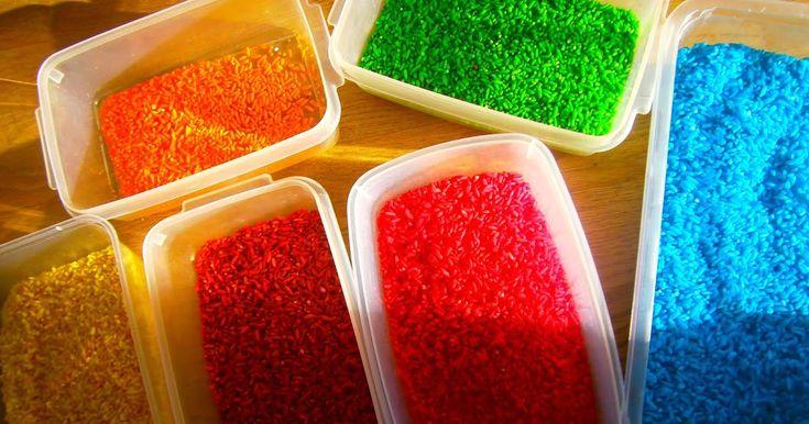 REGENBOGEN REIS  RAINBOW RICE  SO FUNKTIONIERTS:  Du brauchst: Etwas  Wasser , ein  grosses Gurkenglas ,  Eierfarben  oder Lebensmittelfarbe...