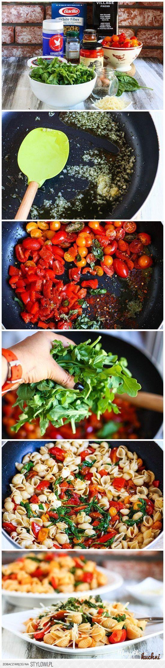 Przepis na pyszny obiad - Makaron z pomidorami i rukolą...