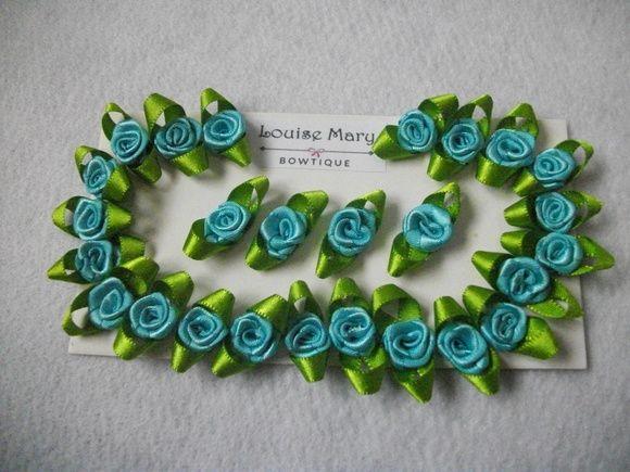 Flores de cetim com folhas Nº 02