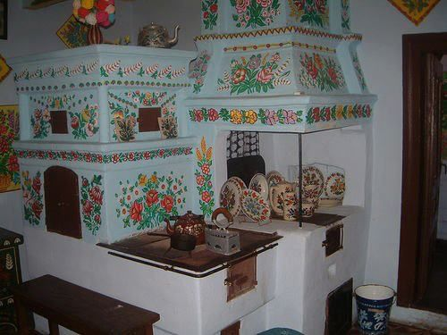 Hungarian traditional kitchen stove-furnance hagyomanyos konyha tuzhely-kemence so beautiful and keeping warm home for ever