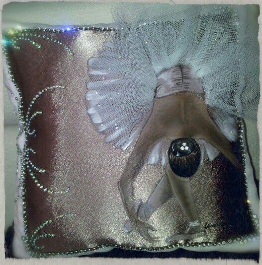 Cuscino ballerina dipinto a mano #pillow