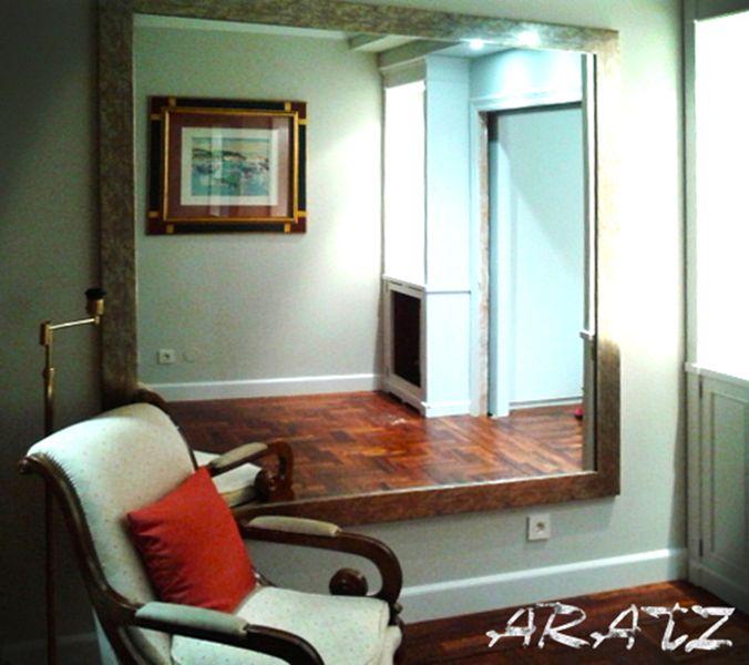 Espejo enmarcado para sal n espejos decorativos a medida for Modelos de espejos para sala