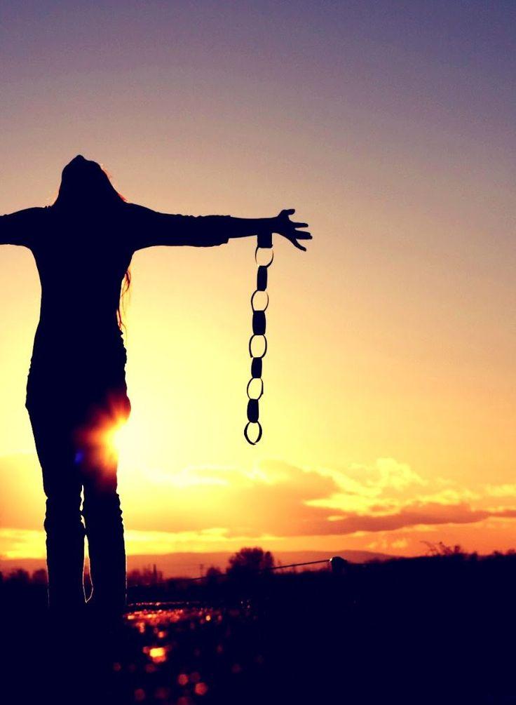 Superando el Maltrato Psicológico, buscar en http://www.amordistorsionado.com/tag/madres-toxicas/