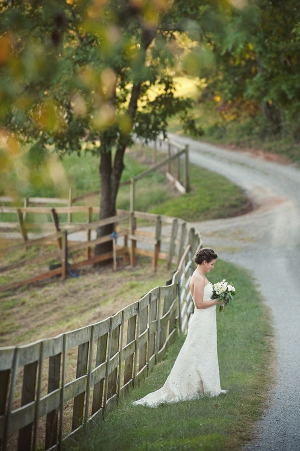 Wedding Photography Ideas Oh, yes. #countrywedding #beautiful!