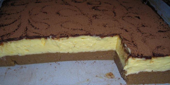 Krupicový koláč s vanilkovým krémom