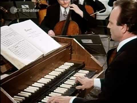 J.S. Bach: Brandenburg Concerto No. 3 in G Major, BWV 1048, Münchener Bach Orchester led by Karl Richter - YouTube