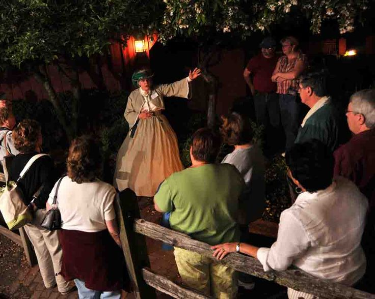 Farnsworth House Ghost Walks & Mourning Theater- the origin of Gettysburg Ghost Storytelling and one of the most haunted Inns in America present a variety of candlelight ghost tours and presentations.