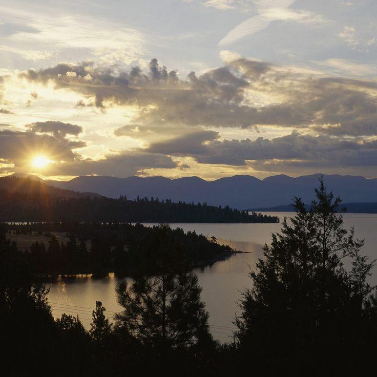 2048x2048 ilha Wallpaper cavalo selvagem, lago flathead, montana, sol, declínio, noite, árvores, horizonte