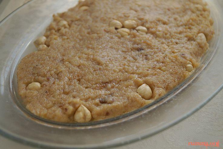 Bayat ekmek helvasıramazanda yapılmış tariflerden birisi , bayat ekmekleri değerlendirmek adına..Benim hoşuma gitti ama bazı hassas bünyeler ekmekteki azıcık tuzu algıladı ,bu yüzden galeta unu ile tekrar denemeyi düşünüyorum…:)) Diğer helva tariflerine buradan ulaşabilirsiniz Bayat ekmek helvası için gereken malzemeler 3 Su bardağı Bayat Ekmek veya galeta unu 3 Yemek Kaşığı Tereyağ 1 Su bardağı …