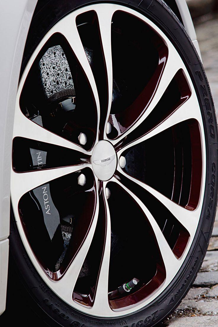aston martin V12 vantage roadster | designboom