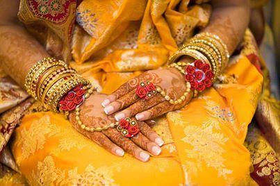 Traditional bridal ornate to beautifully embrace bridal Mehandi on Wedding day!!