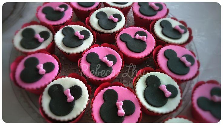 pink minnie cupcakes!