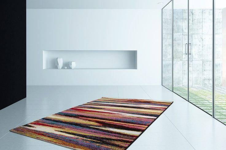 Ben je toe aan kleur in je inrichting? Dan is het Vloerkleed Esprit perfect. Dit kleurrijke vloerkleed is erg bijzonder en maakt je woonkamer een stuk levendiger. Het laagpolige vloerkleed behoort tot de nieuwe collectie van het meubelmerk Lalee en is te bestellen in verschillende patronen, kleuren en maten. Door de artistieke patronen heeft het vloerkleed een moderne look. De zijkanten zijn netjes afgewerkt met een rand waardoor het laagpolige vloerkleed kwalitatief is. Maak je woonkamer…