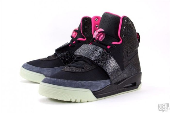 Nike Air Yeezy 1 - Black Solar/Pink