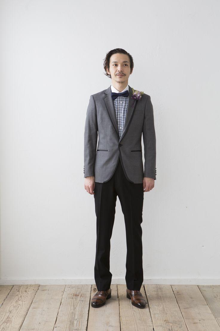 細身で素敵なタキシード http://knock-out-wedding.com/blog/