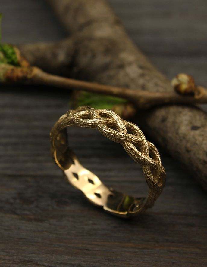 Twisted Tree Branches Wedding Band Tree Gold Wedding Ring Etsy Wedding Ring Bands Wedding Rings Unique Branch Wedding Band