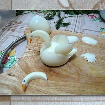 egg made into beautiful swan