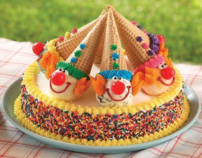 Creative clown cakes for many occasions.