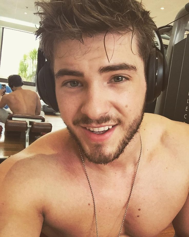 Scruff's good. Weather's good. Good chest pump. Bout to find some good food. All is good.  See you guys this weekend at OZ Comic Con! by codychristian