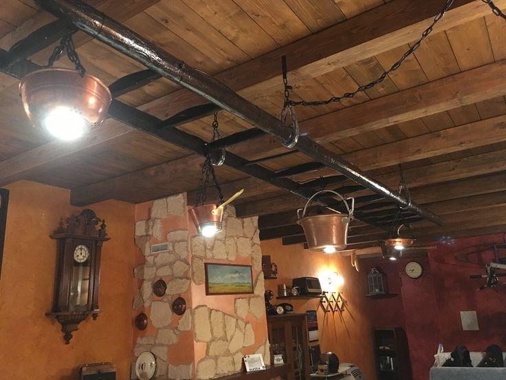 lampadario in rame : Lampadario In Rame : Vecchia scala trasformata in lampadario con ...