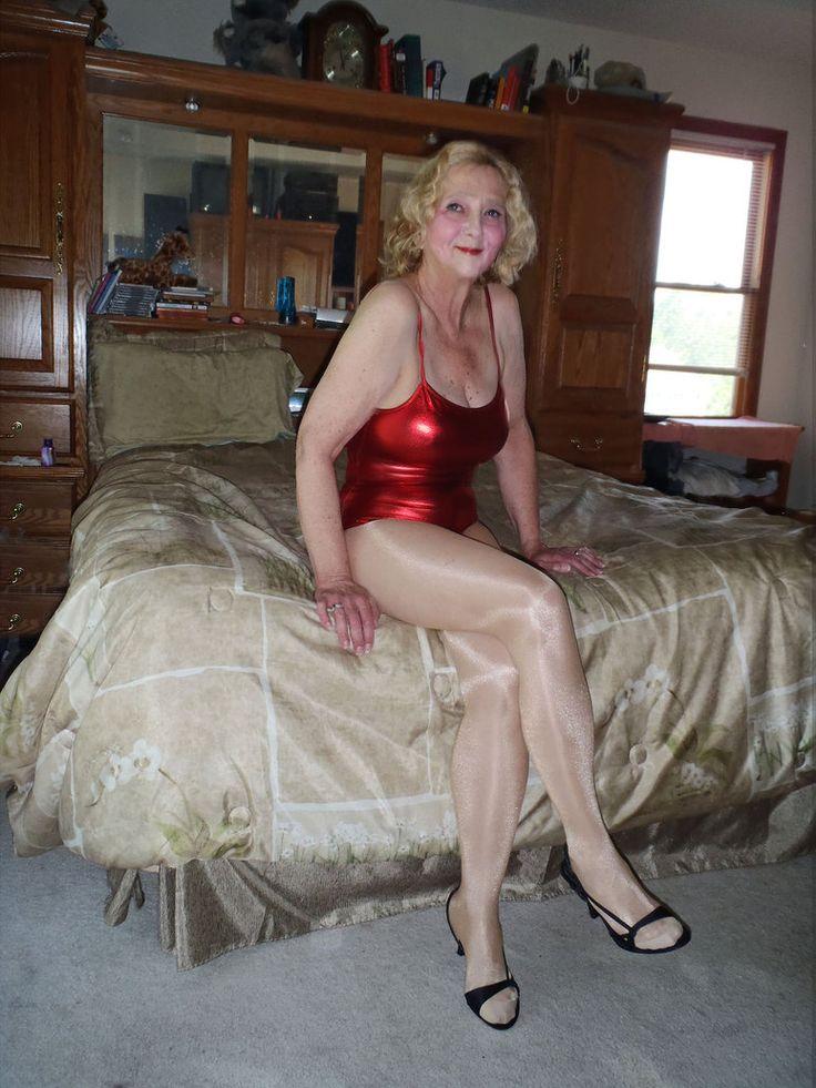 Sexy granny legs