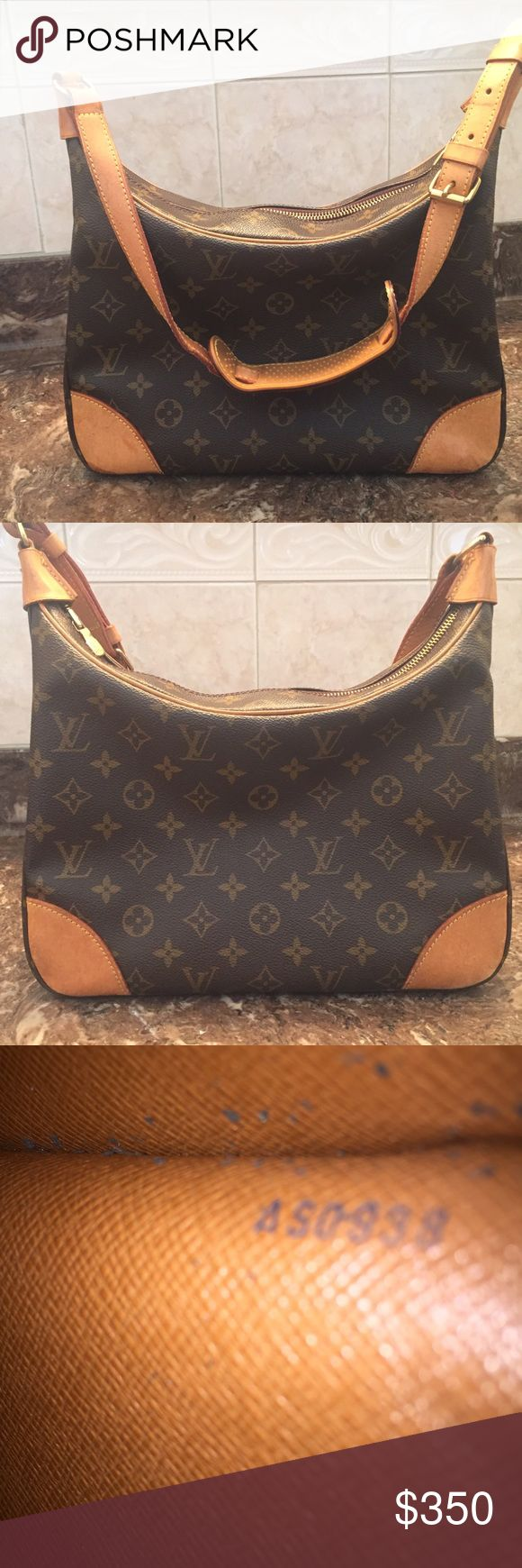 Louis Vuitton Boulogne purse PRICE IS FIRM!!!!! 100% Authentic in very good condition. The inside pocket is a bit sticky. NO TRADES NO LOW BALLERS!!! I do not answer silly questions! All info you need has been provided. Remember ppl its a Louis Vuitton not a Coach 😉 made in France 🇫🇷 Louis Vuitton Bags Shoulder Bags