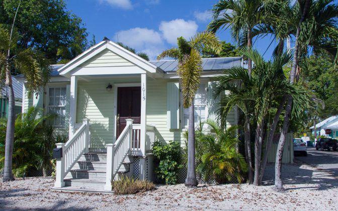 Florida Rundreise Tipps Key West: Pastellfarbene Holzhäuser im viktorianischen Stil